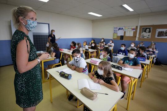 French children resume school after summer break in Nice