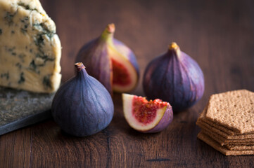 fresh figs, stilton cheese and biscuits