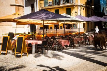 restaurants closed because of the corona virus, covid19