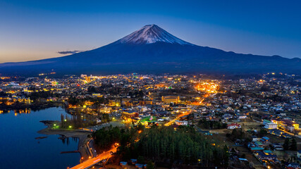 Wall Mural - Fuji mountains and Fujikawaguchiko city at night, Japan.