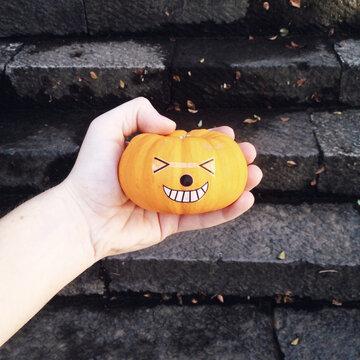 Smiling Japanese Halloween pumpkin