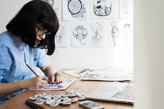 Freelance artist making new illustration