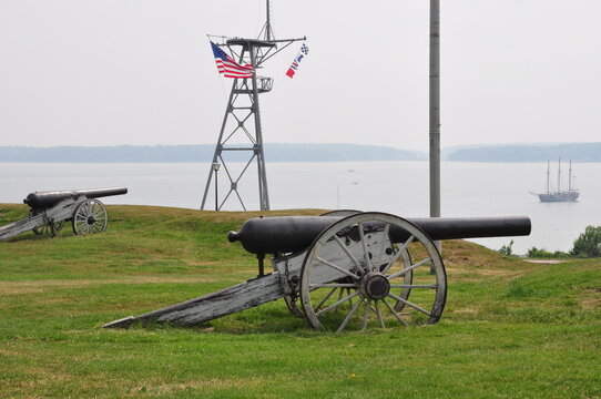 Harbor Cannons