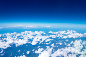 Wall Mural - 雲の上の青空