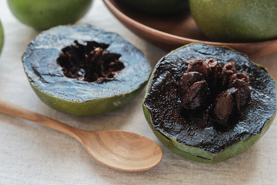 Black sapote chocolate pudding fruit, plant based vegan food