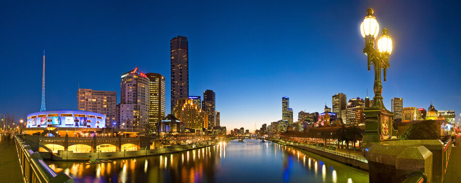 Melbourne Australia August 8th 2007 : Panoramic view of the Yarra River, Flinders street and Southgate in Melbourne Australia at sunset