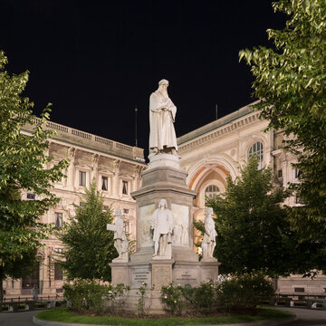 Statue of Leonardo da Vinci on Piazza della Scala, Milan, Italy
