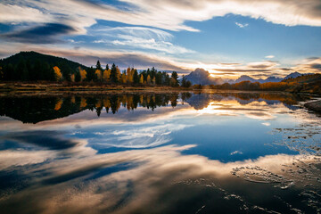Reflection of Mount Moran and Oxbow Bend in Grand Teton National Park Papier Peint