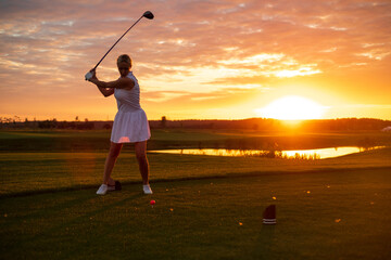 Golfer Woman Play Game Alone .
