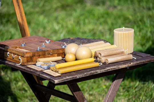 field soldier camp with guns and household items 1812