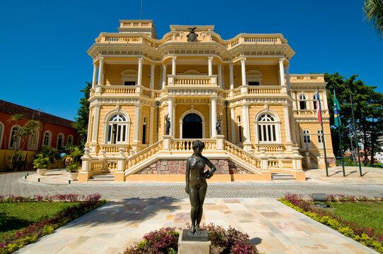 Centro Cultural Palácio Rio Negro - Antiga sede do governo do estado.