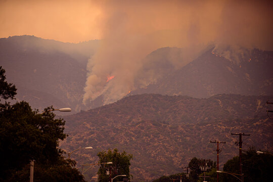 Fires in the United States on September 11, 2020. Fire and smoke in the mountains in northern Los Angeles.