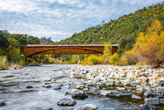 Image of a bridge over the South Yuba River during fall