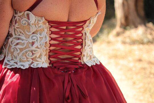 laçage de robe de mariée