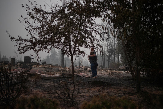 Couple arrive to find their home gutted by the Almeda fire in Talent, Oregon