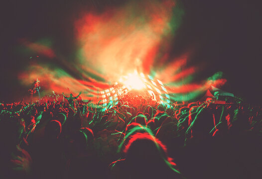 glitched & trippy music concert/festivals