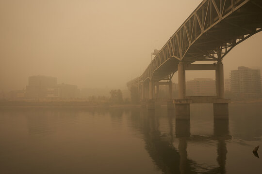 The Marquam Bridge over the Willamette River in downtown Portland during the Oregon wildfires in 2020.