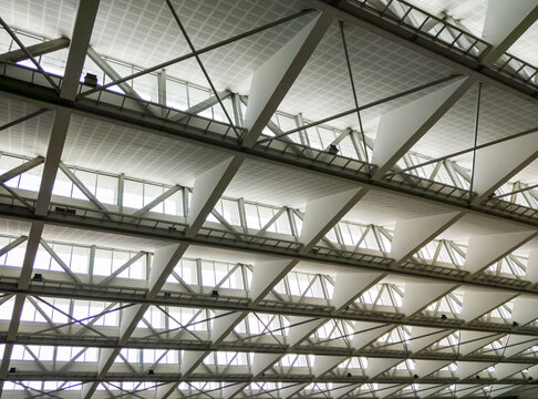Modern ceiling with the many windows.