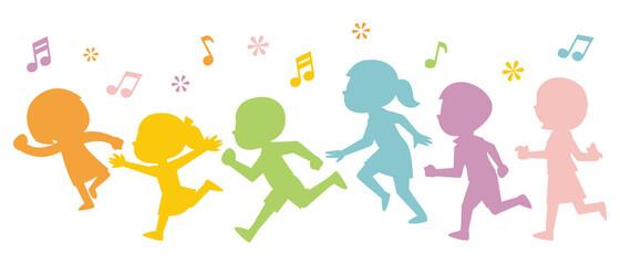 走る子供たちのカラフルなシルエット
