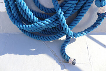 blue rope on a yacht Fotobehang