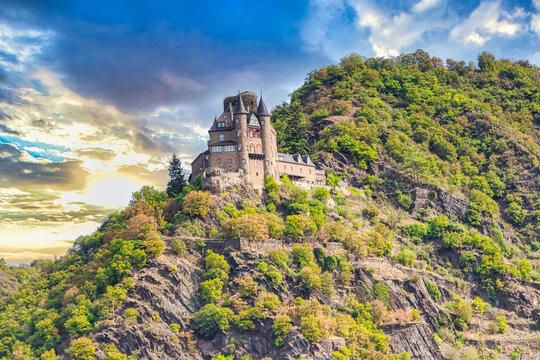 Burg Katz über St. Goarshausen in der Welterbe Kulturlandschaft Oberes Mittelrheintal in Rheinland-Pfalz