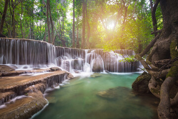 Poster de jardin Olive Huay Mae Khamin waterfall in tropical forest, Thailand