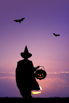 child with trick or treat of Halloween