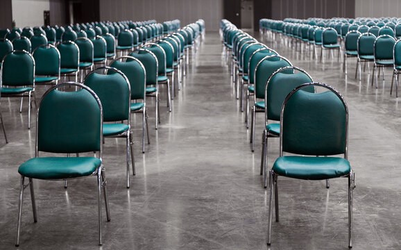 keep space seat in work shop room in social distancing