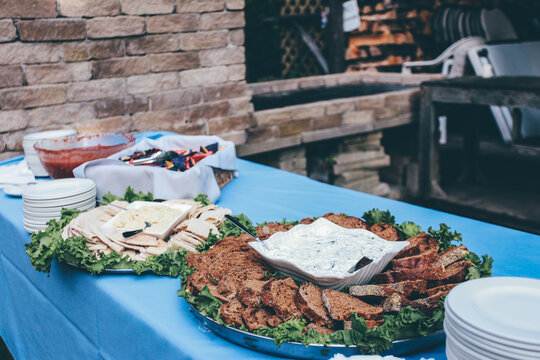 potluck food cater