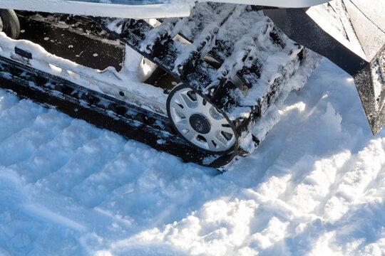 Snowmobile trip in Yellowstone