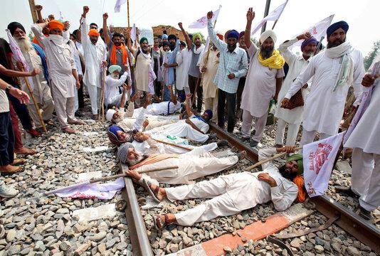 Protest against farm bills passed by India's parliament, in Devi Dasspura village