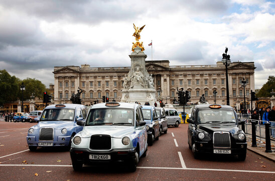 London Taxis and Buckingham Palace