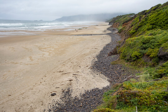 Oregon coast, miles of white sandy beaches.