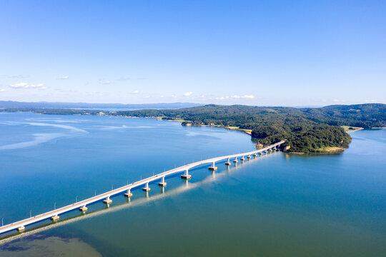 能登島大橋と能登島(石川県)