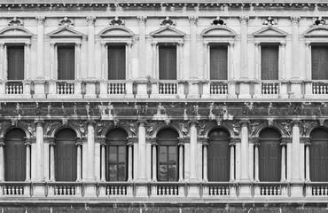 Fototapete - Facade of Classic architecture in Venice, Italy