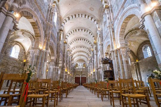 Basilique de Vézelay - Sanctuaire de Sainte Marie-Madeleine (Bourgogne, France)