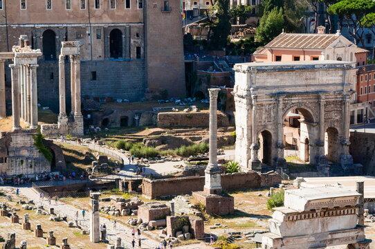 Column of Phocas, Arch of Septimius Severus, Roman Forum, seen from Palatine Hill, Rome, Lazio