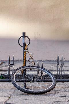 bici, bicicletta, ruota, abbandonata, rubata