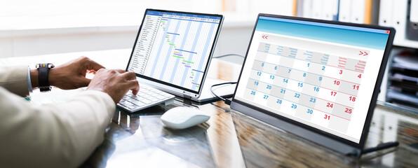 Gantt Schedule Plan On Laptop Screen - fototapety na wymiar