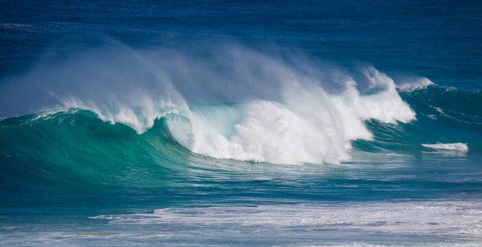 Powerful wave at Yellingup, Western Australia