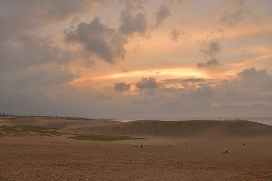 夕方の鳥取砂丘