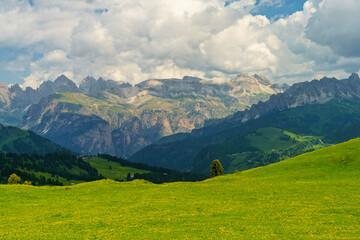 Photo sur Plexiglas Bleu jean Mountain landscape along the road to Sella pass, Dolomites