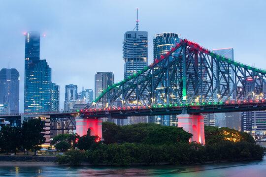 Story Bridge and Brisbane city