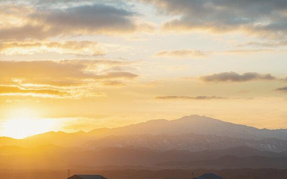 朝焼けの霊峰白山
