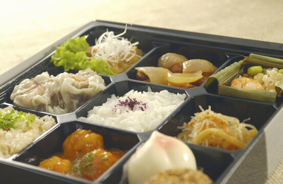 中華惣菜八品付のお弁当