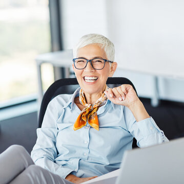 senior business woman gray hair tablet office happy mature businesswoman corporate beautiful