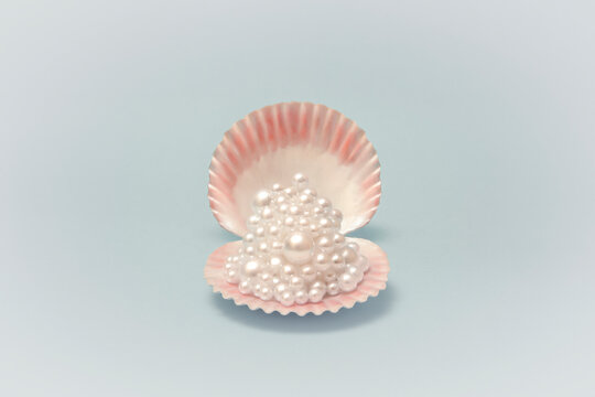 Good luck (Seashell with pearls)