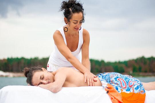 Traditional Hawaiian Lomi Lomi Massage outdoor