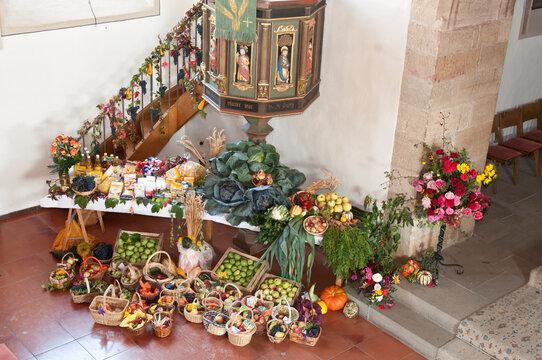 Erntedankgaben in der Ulrichskirche in Eberstadt