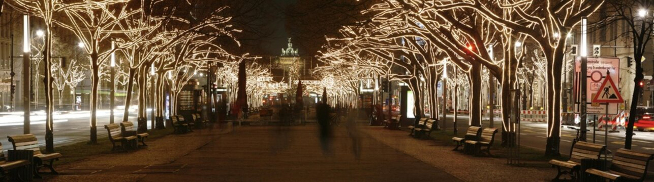 Christmas decorations and the Brandenburg Gate, Unter den Linden, Berlin, Germany, Europe